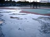 20110312_東日本巨大地震_若松公園テニス_液状化_1658_DSC09080