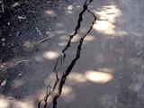 20110313_東日本大震災_海浜香澄公園_地割れ_1200_DSC09675