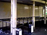 20080201_京成船橋競馬場駅_臨時窓口_閉鎖_1525_DSC09778