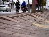 20110320_東日本大震災_幕張新都心_歩道_NTT回線_1221_DSC08194