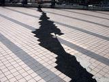20110502_東日本大震災_浦安市舞浜駅前_液状化現象_1003_DSC09250