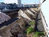 20110326_東日本大震災_船橋市栄町2_堤防破壊_1548_DSC08876