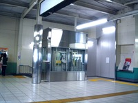 20110529_京成本線_船橋競馬場駅_エレベータ工事_1120_DSC02525