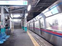 20110114_京成本線_船橋競馬場駅_エレベータ工事_2113_DSC01711