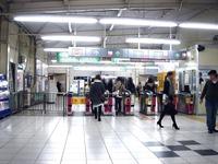20101120_京成本線_船橋競馬場駅_エレベータ工事_1827_DSC02711