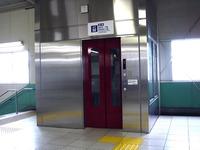 20110529_京成本線_船橋競馬場駅_エレベータ工事_1120_DSC02523