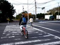 20101121_自転車_交差点_歩道_軽車両_交通違反_1424_DSC03294