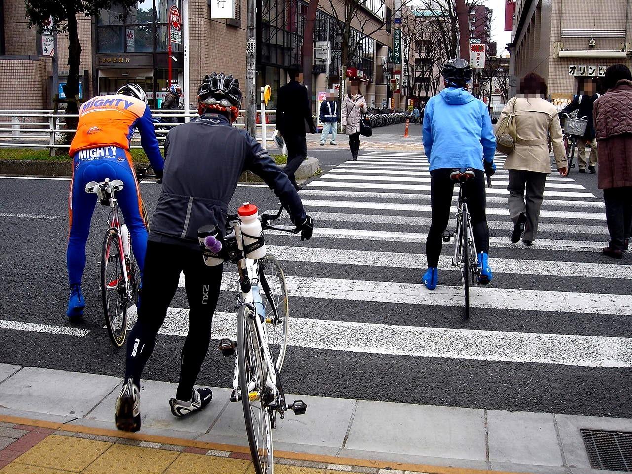自転車の 東京 自転車 : 20100328_自転車_交差点_歩道_軽車 ...