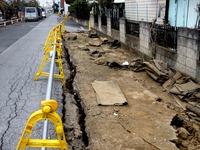20110402_東日本大震災_船橋市湊町_道路_被害_1145_DSC00440
