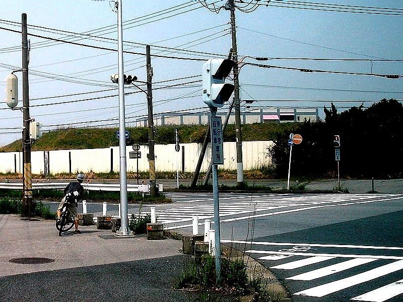 20100505_自転車_交差点_歩道_軽車 ...