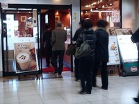 20121114_JR南船橋_べックスコーヒー_開店前_行列_0701_DSC01299