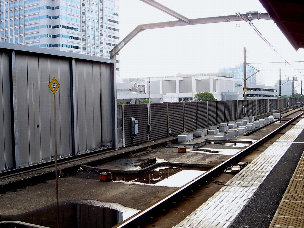 東京ベイ船橋ビビット2013-2012 : JR京葉線海浜幕張駅は ...
