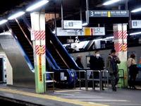 20121204_JR東日本_JR西船橋駅_エスカレータ_1939_DSC04955