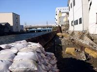 20110326_東日本大震災_船橋市栄町2_堤防破壊_1549_DSC08882