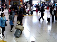 20130505_JR東日本_JR東京駅_東北新幹線_GW_1648_DSC05278T