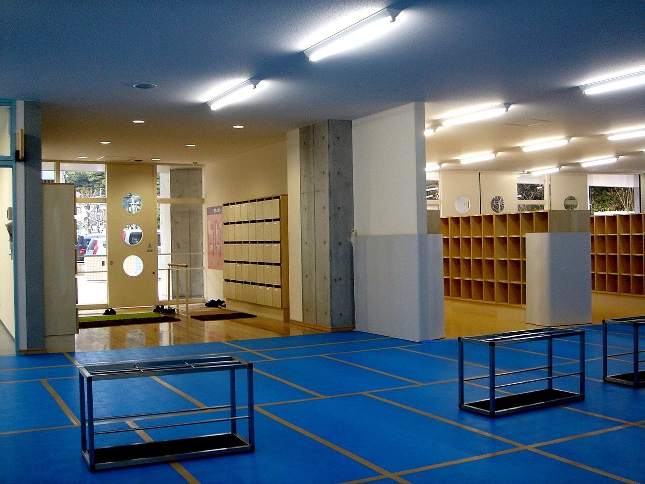 ... 市立西海神小学校の新校舎完成