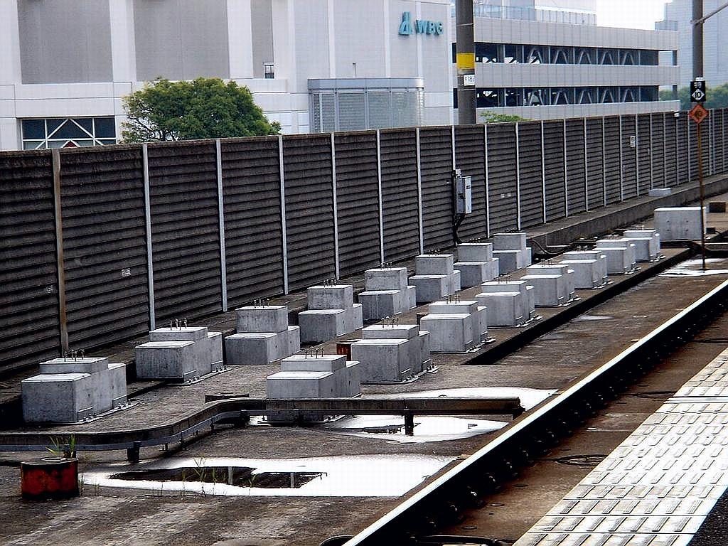 東京ベイ船橋ビビット2013-2012 : コンクリートブロック