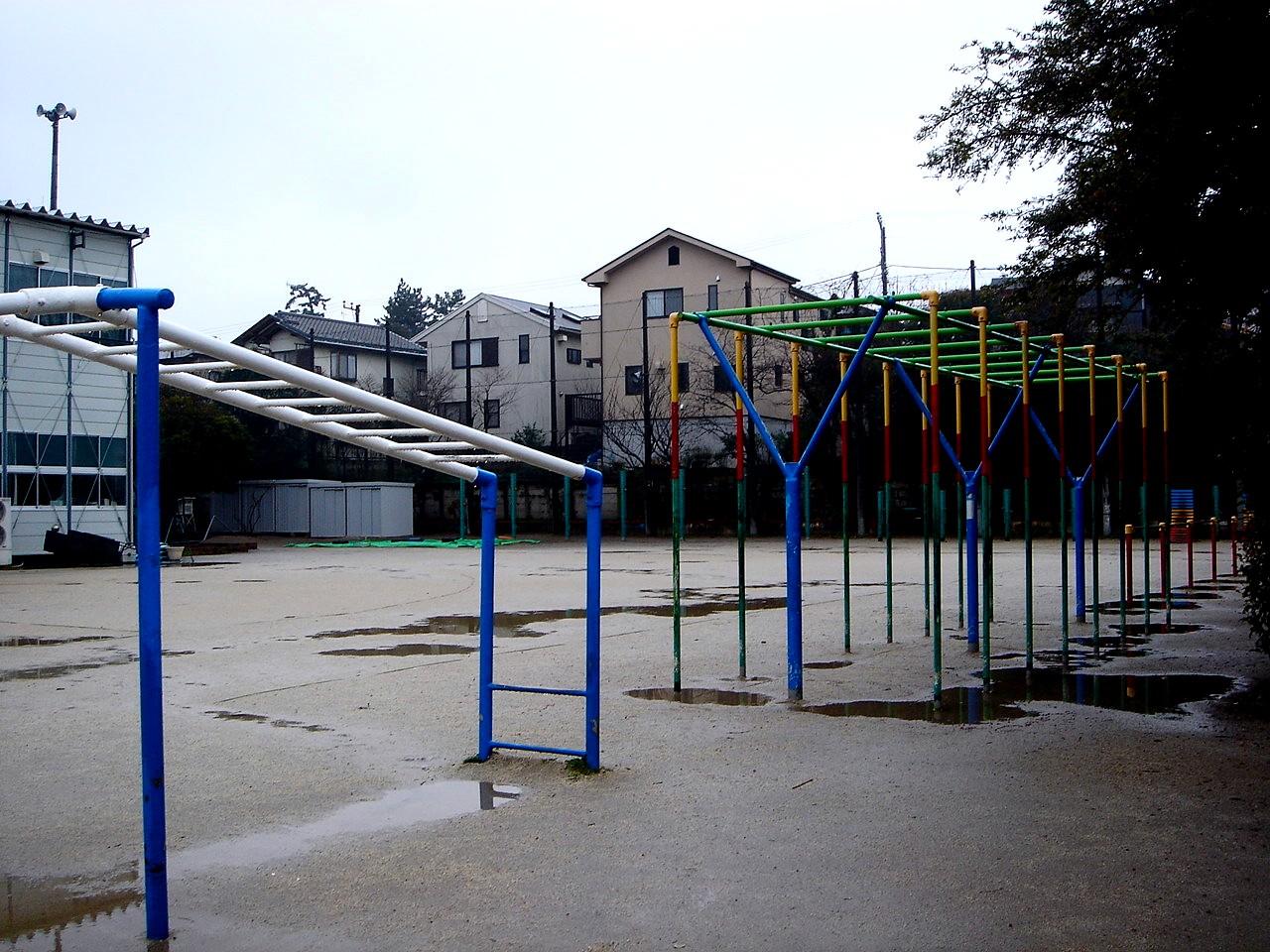 これから, 仮校舎 の解体工事が ...