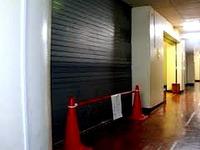20151202_1000_横浜市立山王台小学校_シャッター事故_022