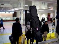 20140217_JR東京駅_新幹線改札口_スノーボード_1902_DSC05735