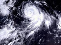 2015_太平洋北西部_3つの台風_台風10号_9号_11号_012