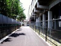 20110514_東武野田線_新船橋駅_高架橋下商業施設_1146_DSC01283