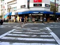 船橋市本町_スクランブル交差点_20040919_DSC05418