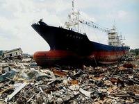 20120313_宮城県気仙沼市_陸に打ち上げられた大型船舶_DSC08089E