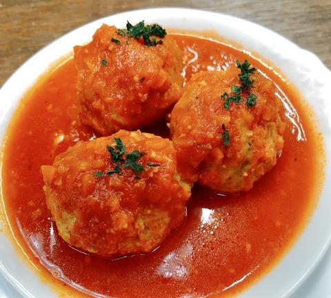 アルボンディガス(ミートボールのトマト煮込み)