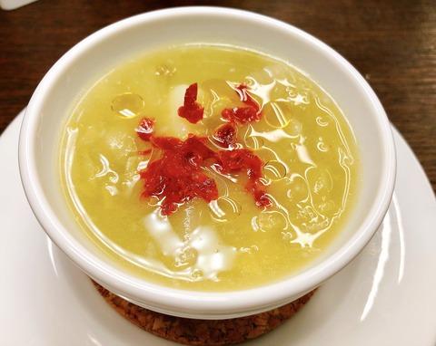 春キャベツとじゃがいものスープ