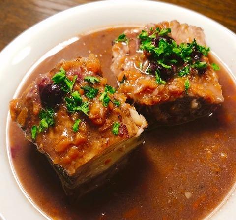 豚バラ肉のカシス煮込み