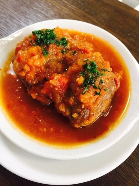 豚ほほ肉のトマト煮込み