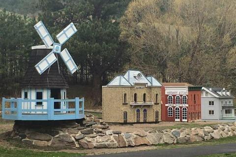 Tiny Town bắt đầu từ Turnerville vào năm 1921