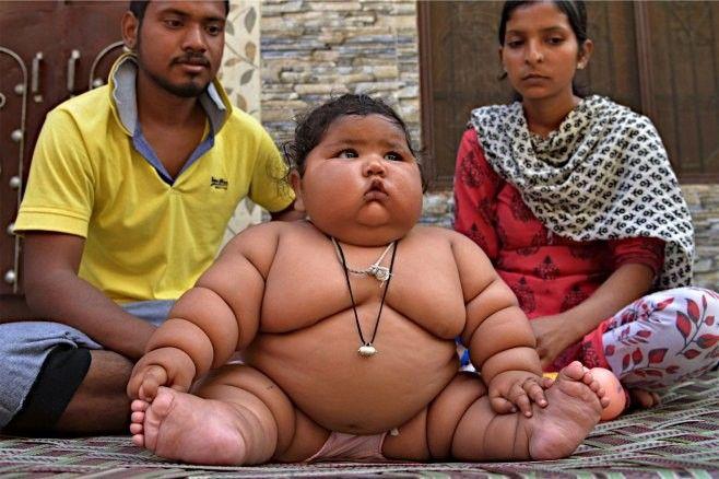 【画像あり】生後8カ月の赤ちゃん、体重17キロ超え 幼くても貫禄十分
