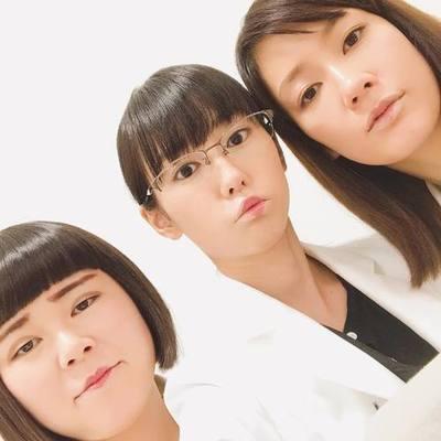 【画像】桐谷美玲&水川あさみがブルゾンちえみのコスプレをした結果wwwwwwwwwwww