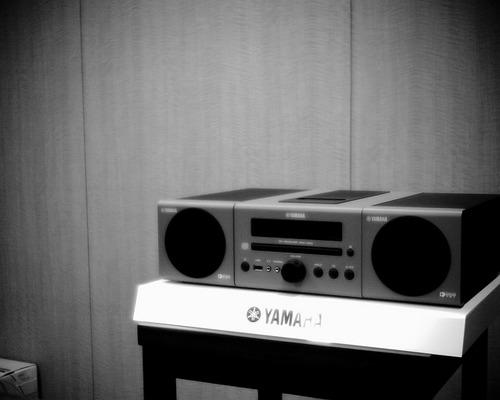 「YAMAHA」iPod対応ミニコンポ「MCR-040」
