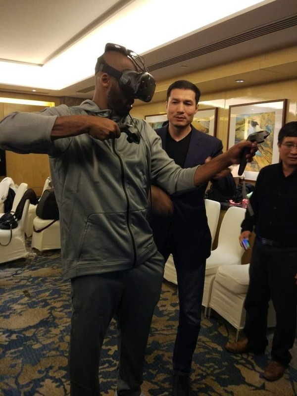 Kobe-Bryant-HTC-Vive-Wireless-768x1024