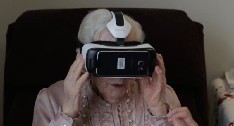 【動画あり】高齢者、はじめてのVR体験に大パニック!!ホラー系は危険過ぎる・・・のサムネイル画像