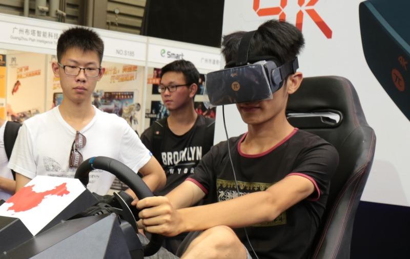 【VR】コスパ最強、4K解像度のVRヘッドセットが3万円で発売!のサムネイル画像