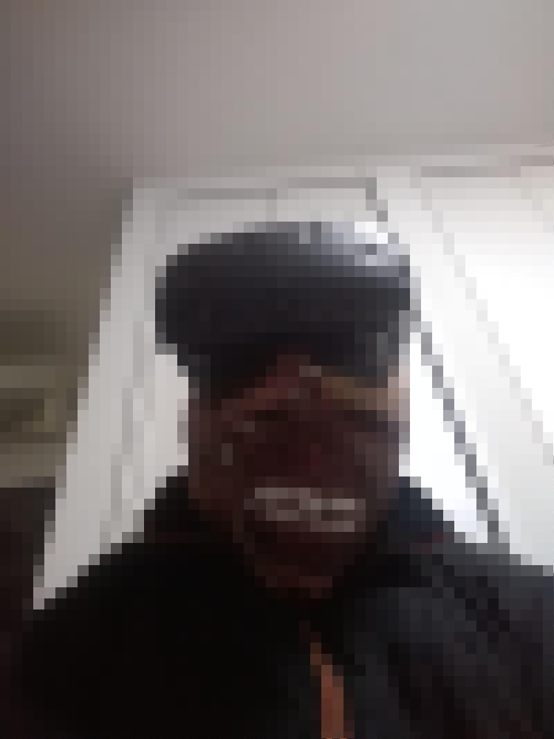 【画像】Vive持っていって甥っ子にbrookhavenやらせてこのマスクで驚かせてみるwwwwwのサムネイル画像