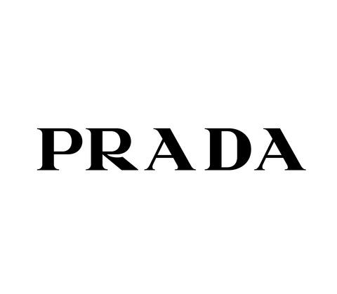 【画像あり】プラダの女性ファッションモデルの最新写真がシュールすぎるwwwwwwwwwww