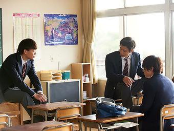 【画像あり】最近の男子高校生同士の遊び「手をつなぐ」「オソロの洋服」「ポッキーゲーム」←これマジ!?wwwwwwww