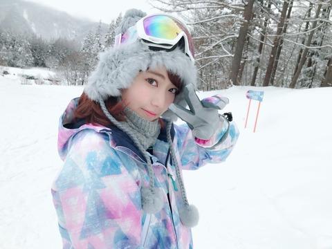 【画像あり】宮脇咲良さん、スキー場で撮った写真が可愛すぎるwwwww
