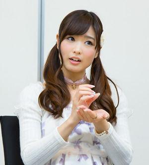【画像あり】声優の渕上舞さん、包丁の持ち方がおかしい