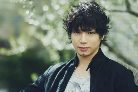 【画像あり】水嶋ヒロさん、バッサリ短髪なった結果←イケメンすぎwwwwww