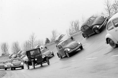 Volkswagen-Beetle-1938-1600-0a