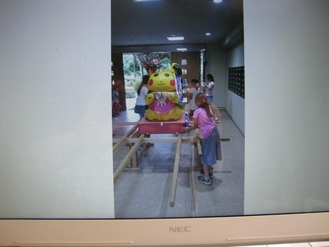 子供神輿飾りつけ (4)