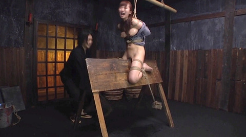 SM拷問調教 三角木馬 股間責めされる女のAVエロ画像 misaki156