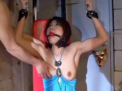 猿轡 口枷 をされる女 の 口拘束 AV エロ 画像 harusakiazumi50