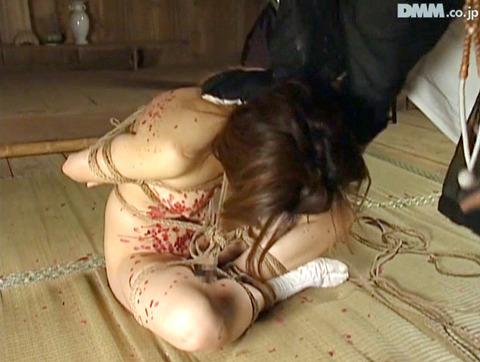 マゾ女踏みつけられて犯される女のAVエロ画像hasegawaayumi10